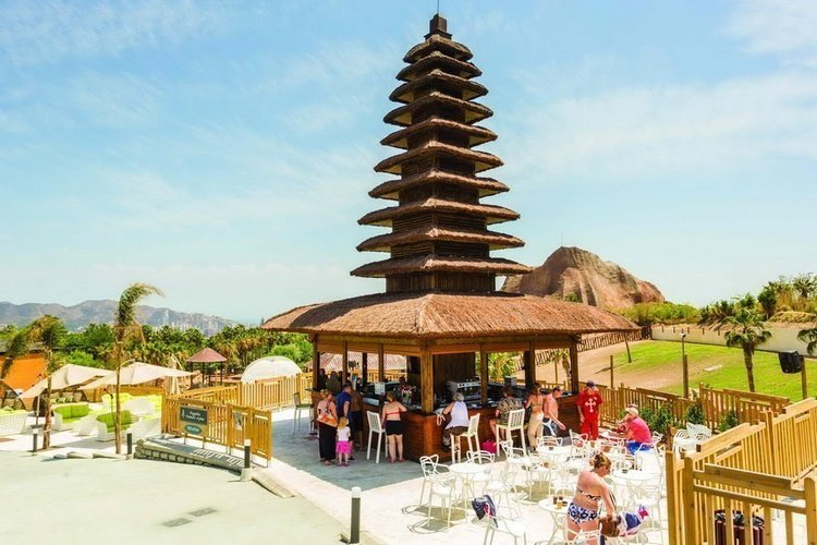 Pagoda 'taman ayun' magic natura animal, waterpark resort бенидорме